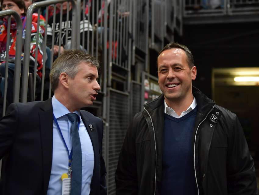Haie Sportdirektor Mark Mahon und Bundestrainer Marco Sturm. (picture alliance / Digitalfoto Matthias)