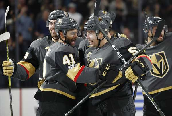 Die Vegas Golden Knights im Siegesrausch (picture alliance / AP Photo)