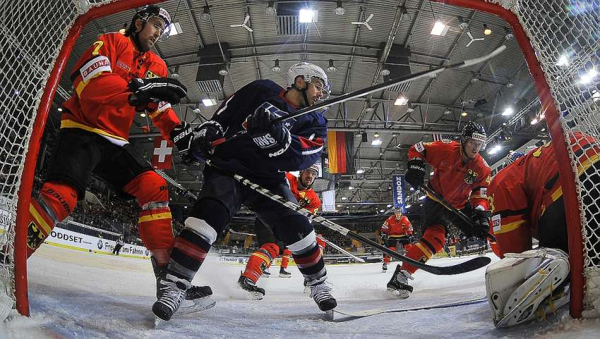 Chris Connolly für Team USA beim Deutschland Cup - Foto © Ice-Hockey-Picture-24