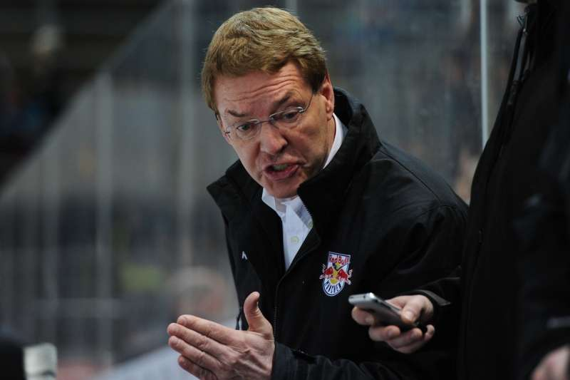 Münchens Trainer Pierre Pagé - Foto © Ice-Hockey-Picture-24