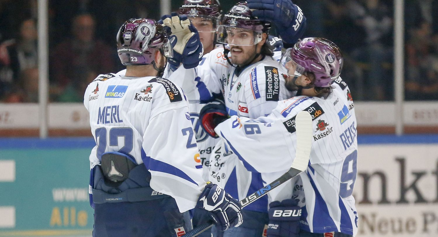 Jubelnde Kassel Huskies. (Foto: dpa/picture alliance)