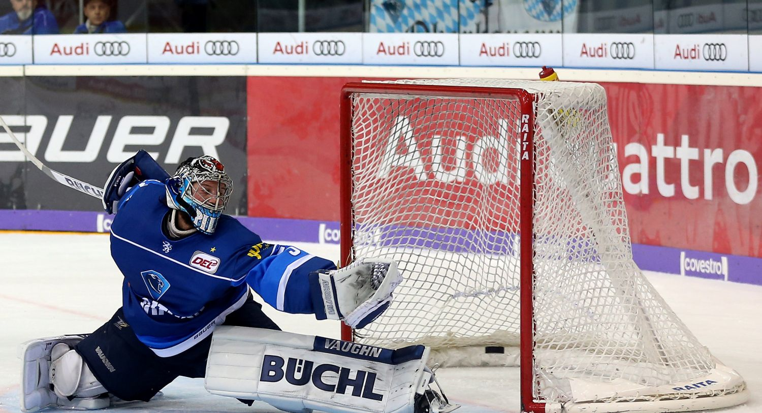 ERC-Keeper Timo Pielmeier ist in den DEL-Play-offs bisher in bestechender Form.